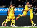 Alcácer celebra un gol con el Borussia Dortmund.