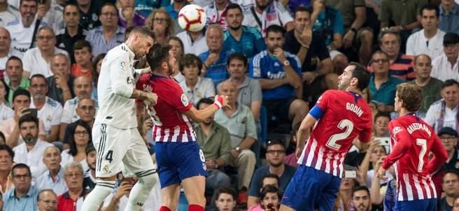 Ramos choca con la cabeza de Saúl