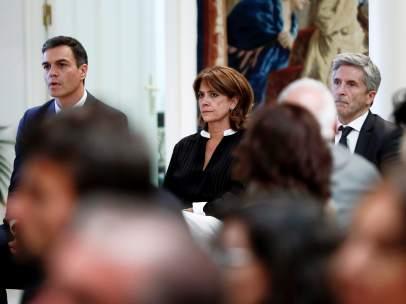 El presidente del Gobierno, con sus ministros de Justicia e Interior.