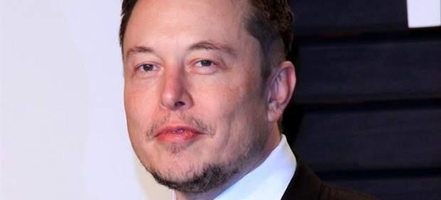 La NASA investigará la seguridad laboral de SpaceX y Boeing tras aparecer Elon Musk fumándose un ...