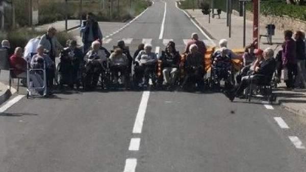 Un grupo de jubilados en l´Estany
