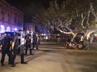 Tensión al final de la manifestación del primer aniversario del 1-O