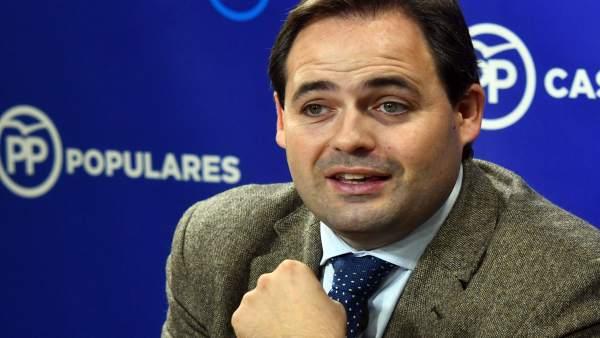 El presidente del PP en Castilla-La Mancha, Francisco Núñez, en las Cortes