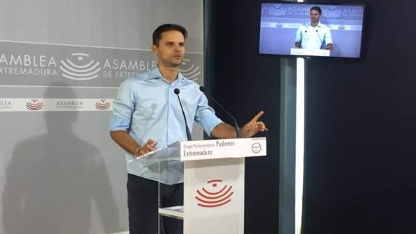 ÞÁlvaro Jaén en rueda de prensa este martes en Mérida