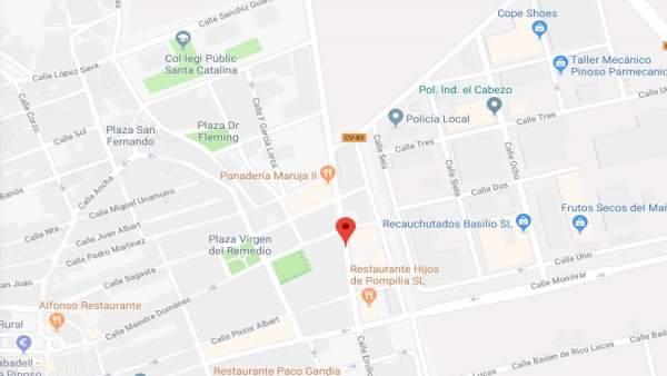 Mor un home en el xoc d'un cotxe contra un fanal a El Pinós