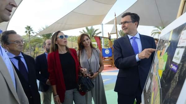 ALCALDE BALLESTA EN VISITA OBRAS ENTORNO MONTEVIDA