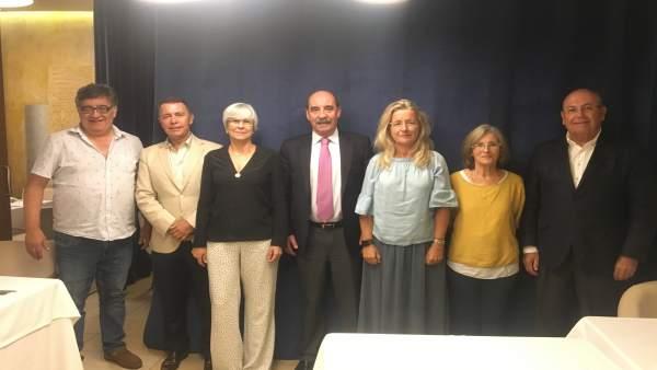 Reunión del jurado del concurso de relato corto Hablando en Cobre.