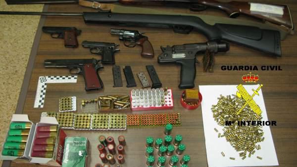 Detenido por amenazas un vecino de Tineo al que la Guardia Civil intervino siete armas de fuego ilegales  794100-600-338