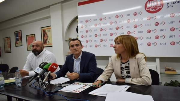 De izq a dcha José Carlos Cosgaya, Juan Miguel Martínez y Cristina Espinosa