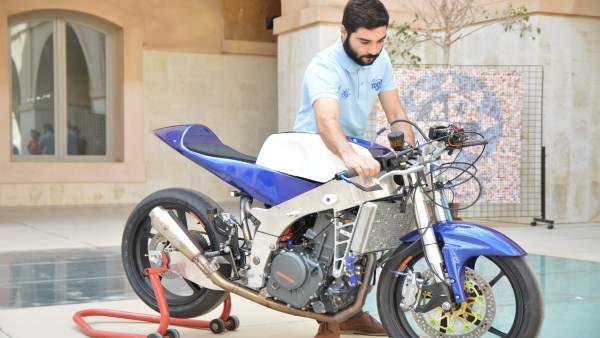 Imagen de la nueva motocicleta de competición del equipo MotoUPCT