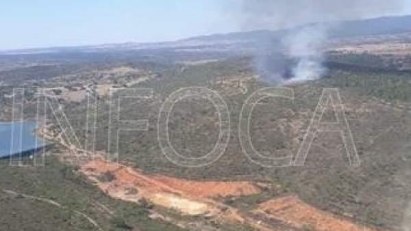 Incendio declarado en El Cerro del Andévalo, en Huelva.