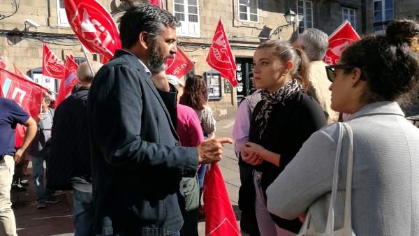 El líder de CCOO en Galicia, Ramón Sarmiento, y la de EU, Eva Solla