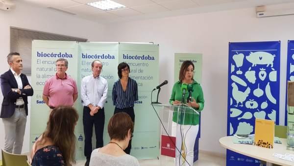 La alcaldesa interviene en la presentación de Biocórdoba Off