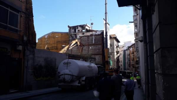Derribo de edificios abandonados en el Cabildo