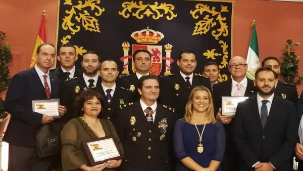 Homenaje a la Policía con motivo de su festividad, en Alcalá de Guadaíra.