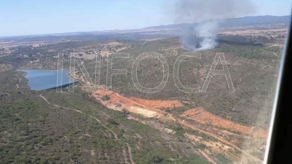 Incendio declarado en El Cerro del Andévalo, en Huelva