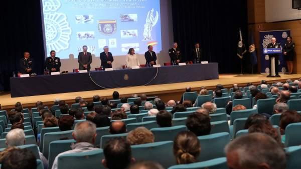 Acto conmemorativo en el Día de la Policía
