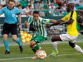Andrés Guardado, con la camiseta del Betis.