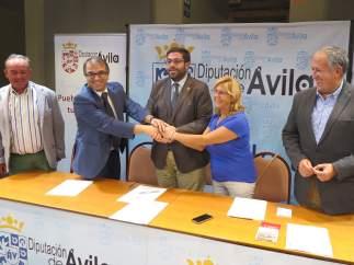Sánchez Cabrera (C) En La Firma De Los Dos Acuerdos 5-10-2018