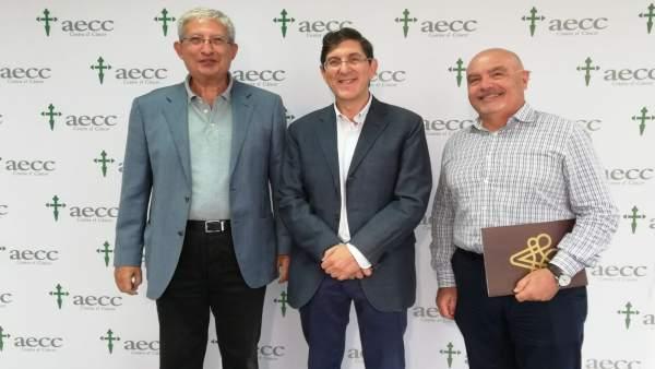 Villegas (c), junto a Manuel Molina y Roque Martínez
