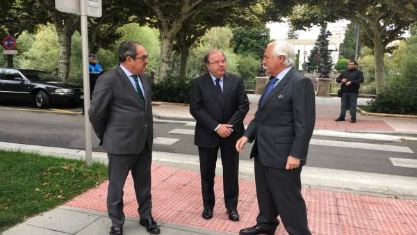 Herrera, en el centro, y a la derecha José Luis Concepción.