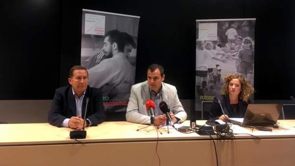 Del Amo, Goñi y Urkiola durante la presentación