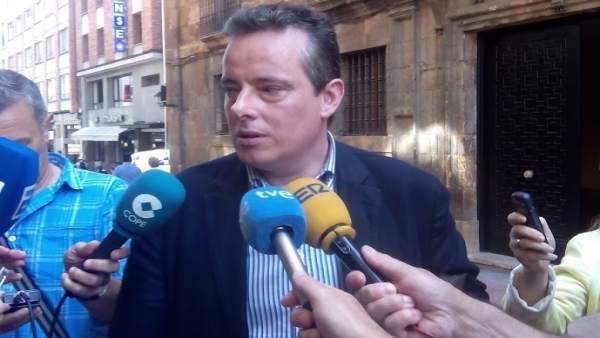 Marcelino marcos Líndez a su salida del TSJA.