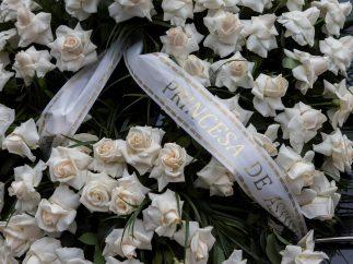 Rosas blancas por Caballé