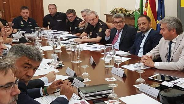 El delegado del Gobierno en Andalucía preside reunión para el partido de España