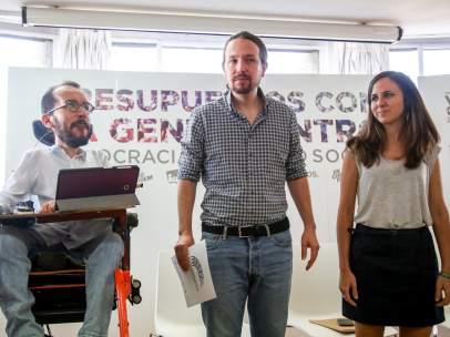 Pablo Echenique, Pablo Iglesias e Ione Belarra en el Círculo de Bellas Artes