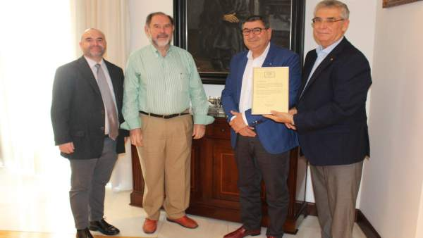 Np: Moreno Ferrer Recibe A Evaristo Guerra Para Felicitarlo Por Su Nominación A