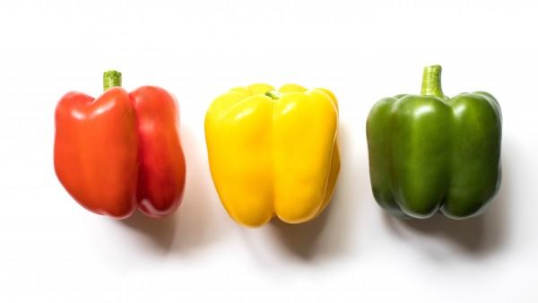 Pimiento verde, amarillo y rojo