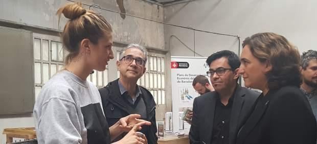 Ada Colau, Gerardo Pisarello y Josep Maria Montaner en una visita a TMDC