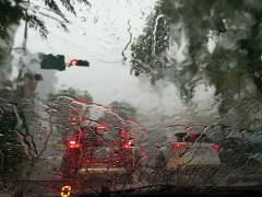 Consejos para conducir con lluvia y evitar el aquaplaning