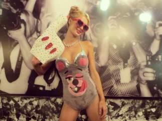 Paris Hilton como Miley Cyrus