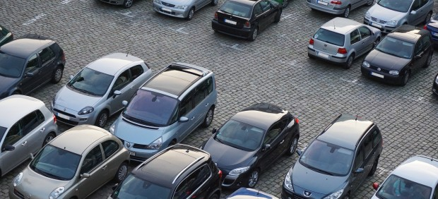 Vehículos de ocasión estacionados/vehículos usados/coches/automóviles