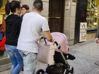 """Hacienda busca una vía """"ágil"""" para devolver el IRPF de la prestación por maternidad"""