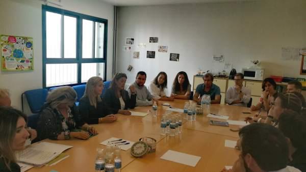 La consejera de Educación andaluza se reúne con un IES de Alcalá de Guadaíra