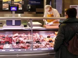 Zona de carne del supermercado Esclat de la población de Malla (Barcelona).
