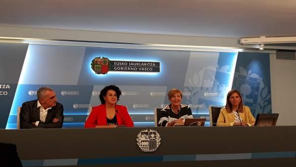 Eduardo Aguinaco, Ainhoa Aizpuru, Arantxa Tapia y Elena Unzueta