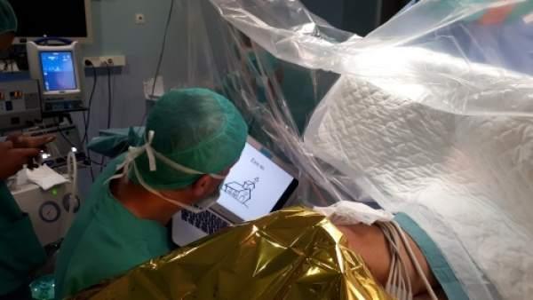 Cirugía de mapeo cerebral en el Hospital Josep Trueta de Girona