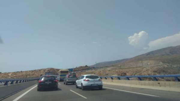 Vehículos en retención tras el accidente en la A-7