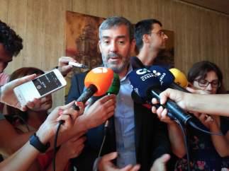 Fernando Clavijo atiende a los medios