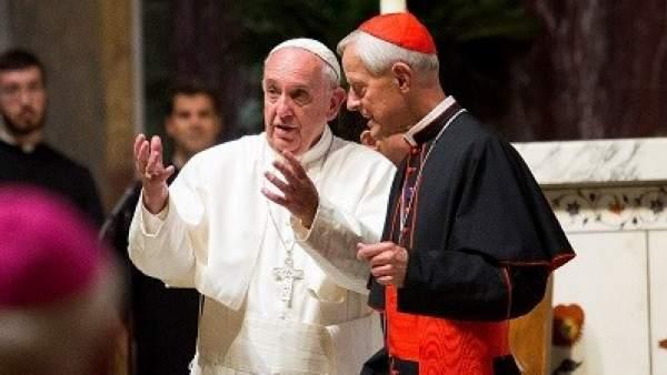 El arzobispo de Washigton, Donald Wuerl, con el papa Francisco