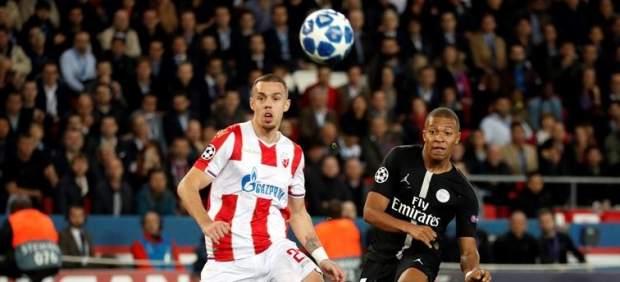 Mbappé, del PSG, contra el Estrella Roja.
