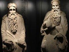 Las estatuas de Abraham e Isaac