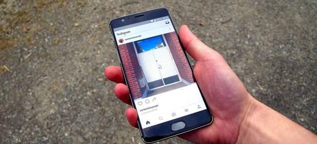 Instagram prueba a acabar con el 'scroll' y pasar las publicaciones con un toque, como en las ...