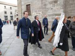 Pablo casado accede a la Catedral de Ávila