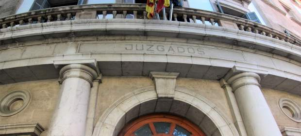 Acusado de abusar de la hija de su expareja en Palma niega los hechos