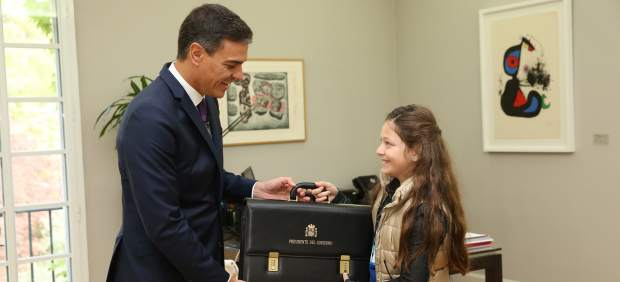 Pedro Sánchez nombra a Irene primera presidenta del Gobierno de España